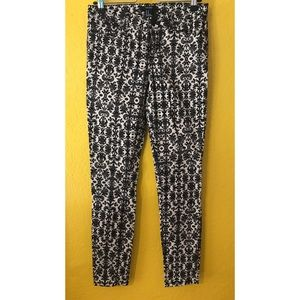 Forever 21 pants black and white size 26